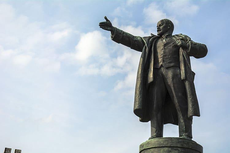 Памятник В.И.Ленину в Санкт-Петербурге