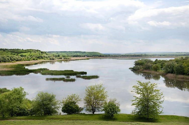 Водохранилище в городе Новотроицк, река Урал